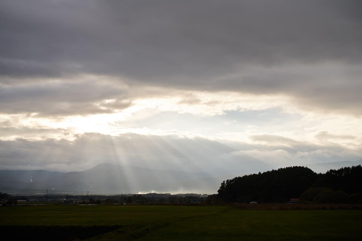陽がさす東北の風景